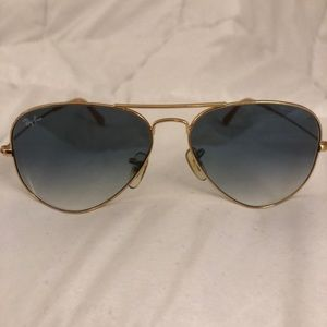 Woman's Ray-Bans